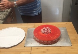 Así queda la Tarta semifría de fresas
